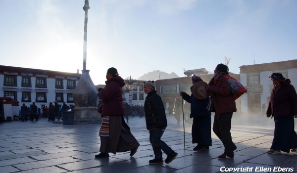 Lhasa: pilgrims at the Jokhang Temple on a cold winter day