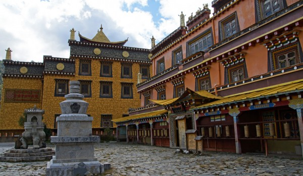 A small monastery with a lot of mani stones in the vicinity of Shangri-La (Zhongdian), Yunnan