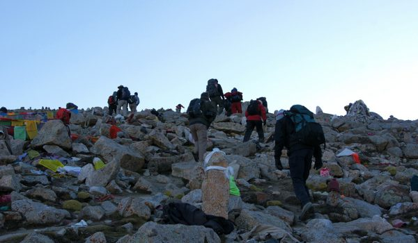 Day 2 of the kora: the final and steep ascent to Drolma La (2010)