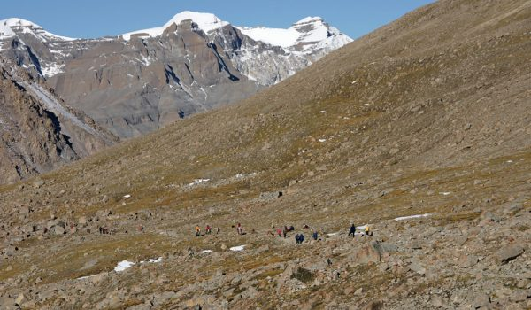 Day 2 of the kora: pilgrims ascending to Drolma La pass (2010)