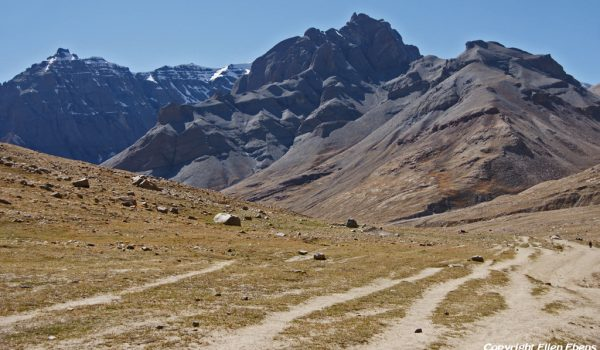 Day 1 of the kora: the trail turning and climbing from the Lha-chu Valley to Dira-puk Monastery (2011)