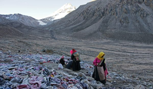 Day 2 of the kora: Shiva-tsal (5.330 m) where the pilgrims symbolically die and leave some clothing behind. They are reborn again on the Drolma La pass (2011)