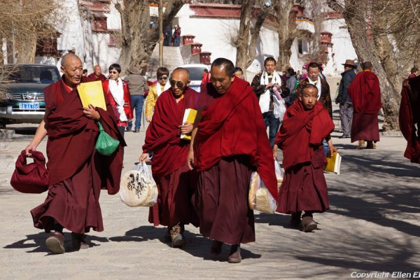 Lhasa: monks at Sera Monastery