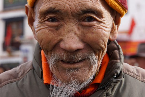 Lhasa: portrait of a man at the Barkhor