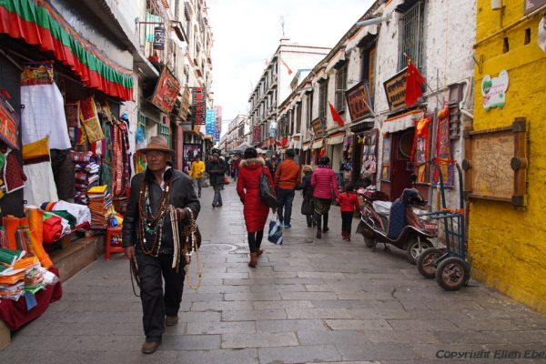 Lhasa: a side street of Barkhor Street