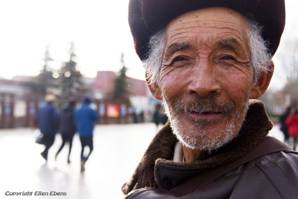 Lhasa: portrait of an old man at the Barkhor