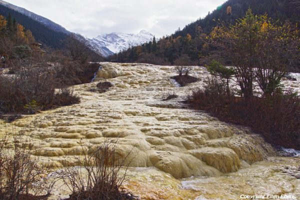 Huanglong National Park: Golden Sand Pavement