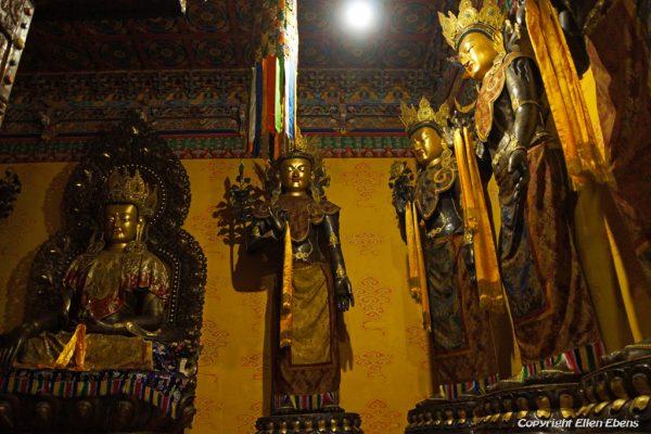 Statues at Dagzha Monastery at Zoige
