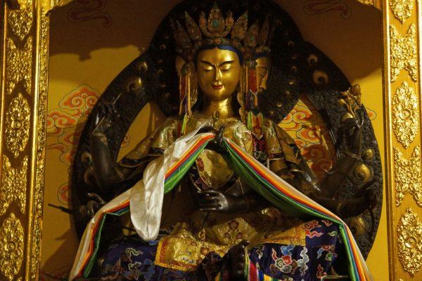 Statue at Dagzha Monastery at Zoige