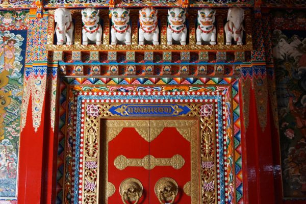 Entrance to the big prayer hall at Dagzha Monastery at Zoige