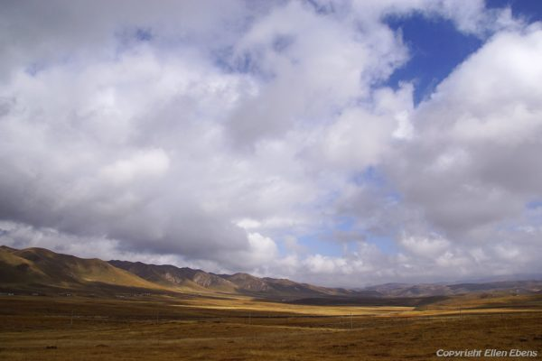 Landscape on the way from Xiahe to Rebkong (Tongren)