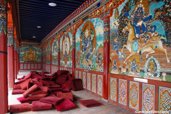 Wall paintings at Rongwu Monastery