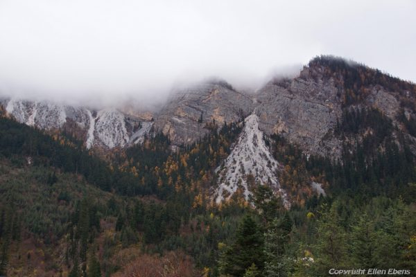 Jiuzhaigou National Park: mountains at Long Lake