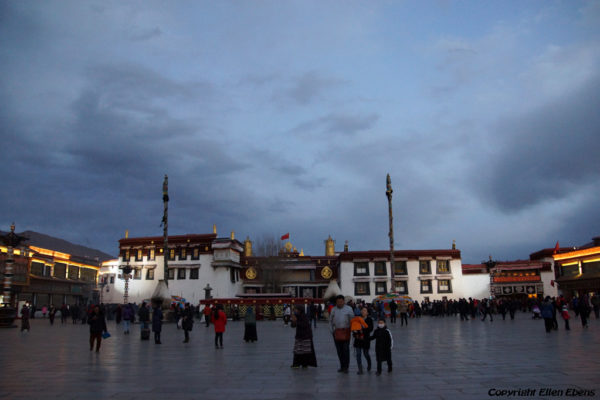 Lhasa, the Jokhang Temple by nightfall