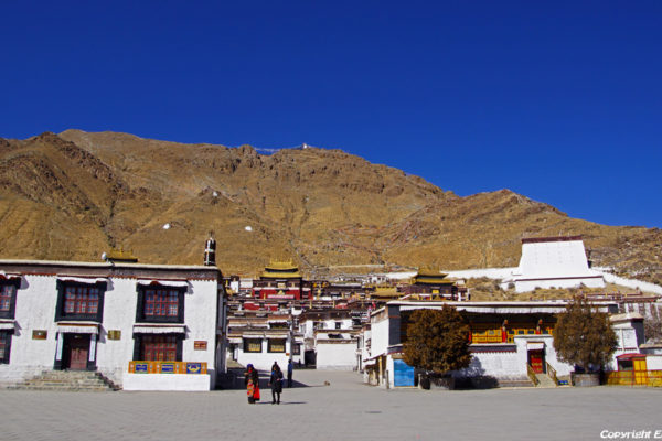 The big Tashilhunpo Monastery in the city of Shigatse