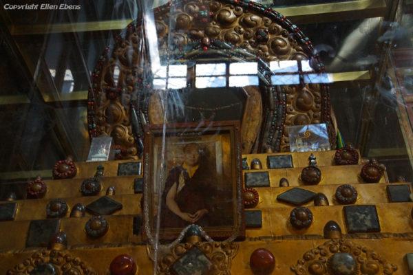 Stupa at Tsurphu Monastery containin relics 16th Karmapa