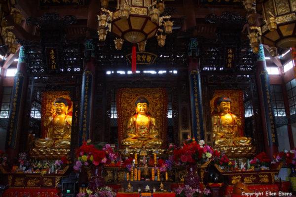 Jizu Shan (Jizu Mountain), Buddha statues at the Jinding Temple