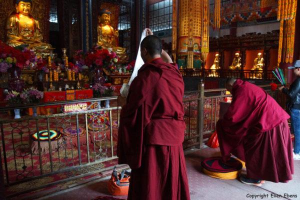 Tibetan monks at the Jinding Temple, Jizu Shan