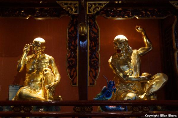 Jizu Shan (Jizu Mountain), statues of arhats at the Jinding Temple