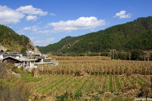 Driving north from Lijiang to Lugu Lake