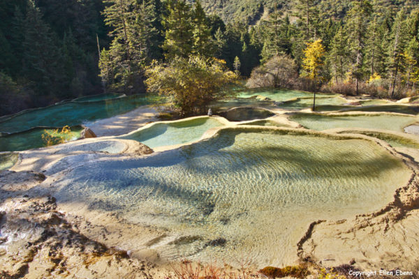 The colourful ponds of Huanglong National Park
