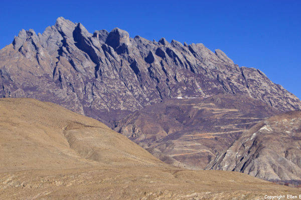 Landscape on the way from Nanxiang to Tsedang.