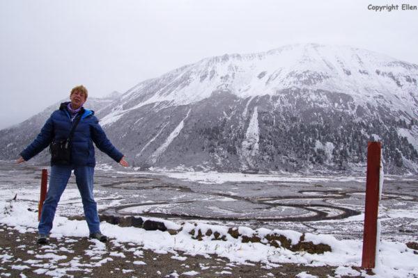 Amdo Traveling in a winter landscape