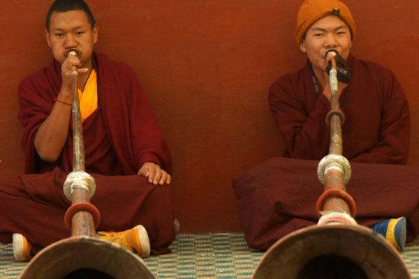 Nangchen monks long horns